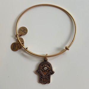 NEVER WORN alex and a i hand of fatima bracelet
